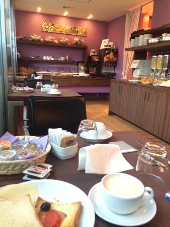Hotel Trevi Collection: Café da manhã