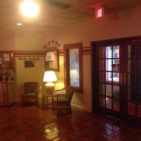 Senor Ric's: Lobby Area.