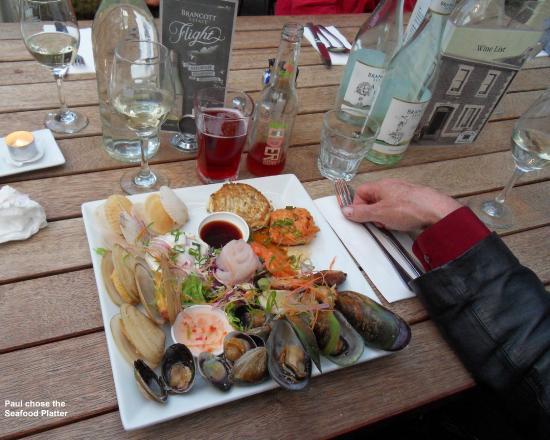 Carey's Bay Historic Hotel : Seafood Platter