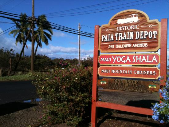 Street Sign for Paia Farmers Market