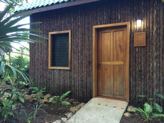Mariposa Jungle Lodge : Outside of the Macaw