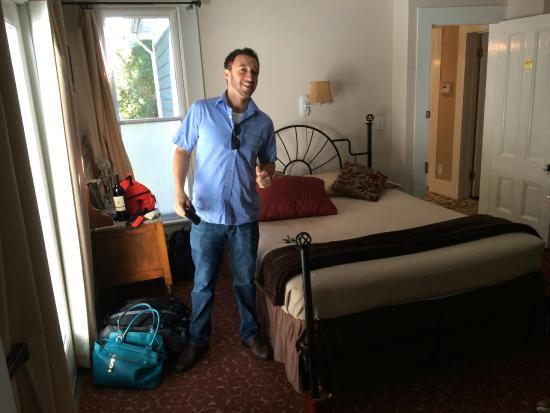 Deer Creek Inn : Winifred Bedroom (Suite)
