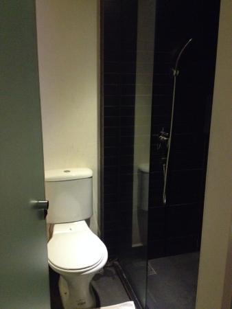 The Leverage Mergong : Toilet