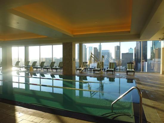 hilton americas houston pool on 23rd floor