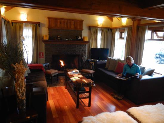 Hosteria Senderos : Senderos family room