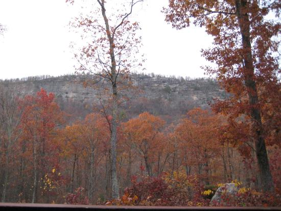 Minnewaska Lodge: View from cliff view room