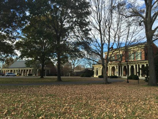 Oaklands Mansion : House and Museum