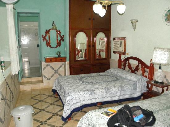 Hostal Luis XVIII: Bedroom