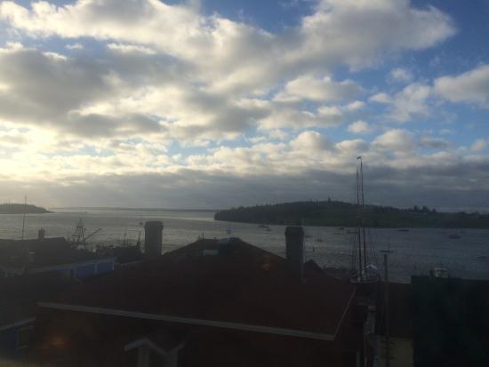 Lunenburg Arms Hotel: Stunning Morning View.