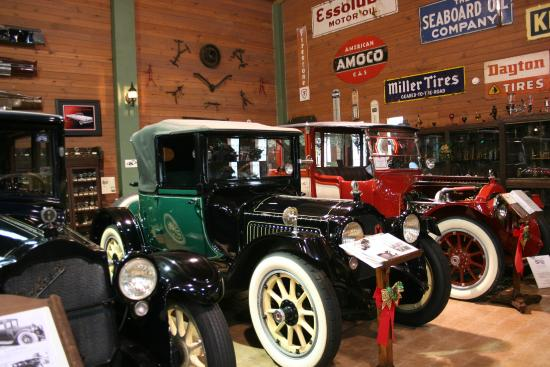 Fort Lauderdale Antique Car Museum: One of the many excellent displays
