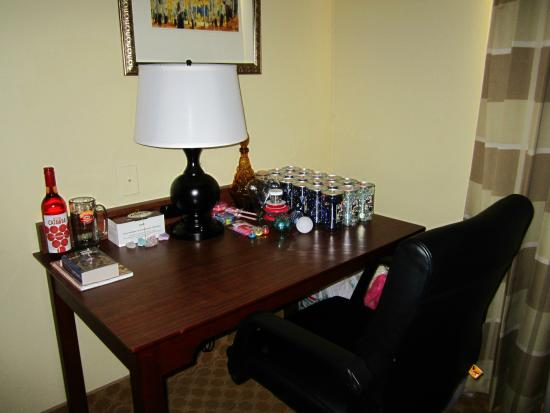 Country Inn & Suites By Carlson, Birch Run: Hotel Room Desk