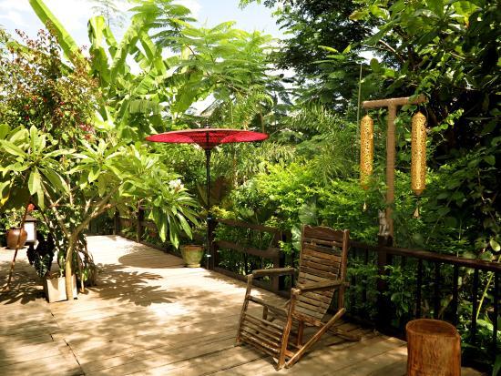 La Maison Birmane: Lobby and Garden