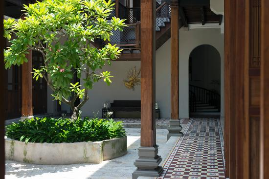 Seven Terraces : courtyard