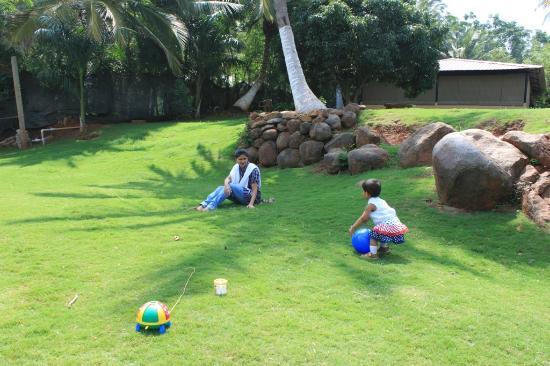 Elim Resort: playtime
