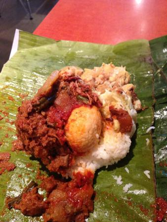 Simpang Asia: Banana leaf traditional rice dish - I forget which one!