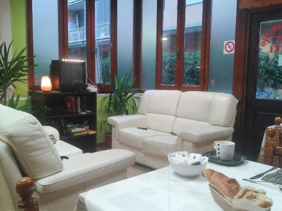 Hotel San Desiderio: salottino