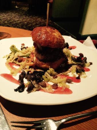 Pebble Beach Restaurant: Duck Burger