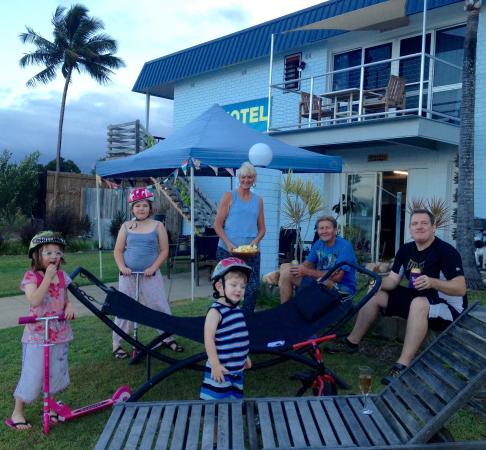 Cardwell Beachfront Motel: Wonderful hosts.