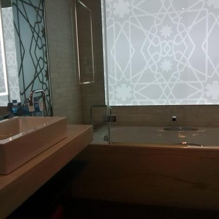 salle de bain - Picture of Le Meridien Oran Hotel & Convention ...