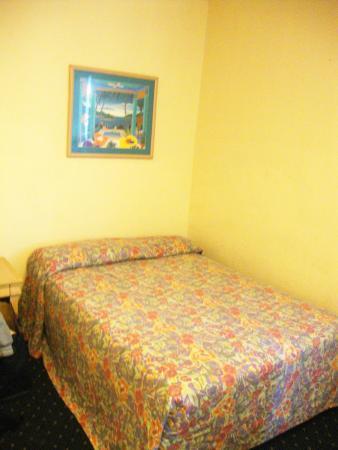 AAE Miami Beach Lombardy Hotel: Quarto - cama