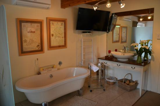 Armagh Country Lodge Rafters & Spa: Essenhout Room