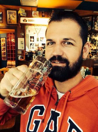 Cerveceria La Barraca: Como disfrutas de de la perla... (República Checa )