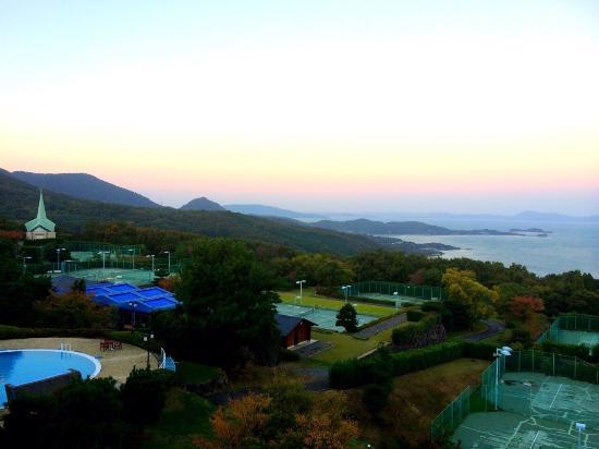 Resort Hotel Olivean Shodoshima: 朝、部屋からみた景色です。