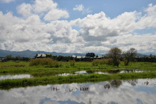 Thahara Inle Heritage: View of Thahara from a nearby weaving centre