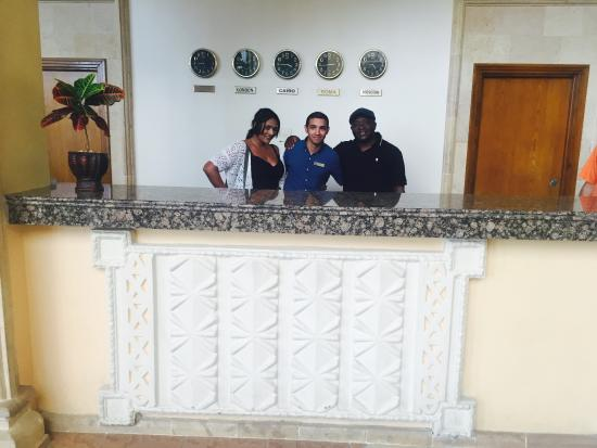 Sharm El Sheikh Marriott Resort: Helpful Yasser @ reception