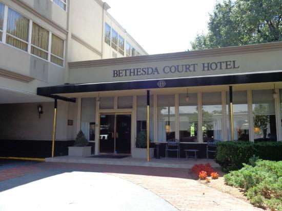Bethesda Court Hotel Entrance