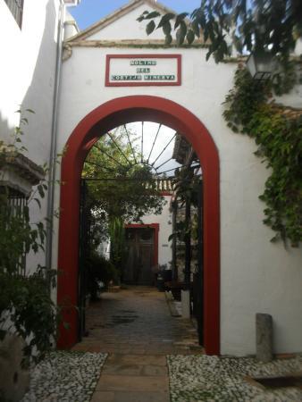 Hacienda Minerva: Puerta acceso molino, biblioteca y comedor.