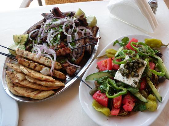 Kresten Palace : Lunch w restauracji przy basenie (wybór mięs)