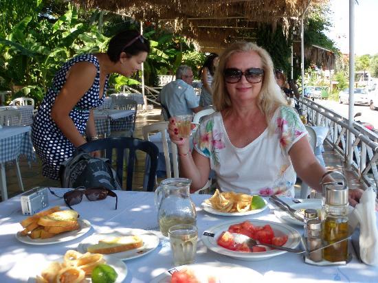 Kresten Palace : Lunch w tawernie nad morzem