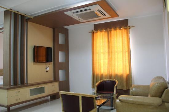 Hotel Annamalai International: King Suite - Bed Room