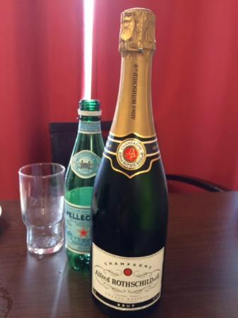 Adagio Access Paris Bastille: Welcome Drink