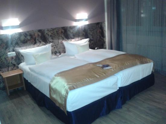 Hotel Kiel by Golden Tulip: Schlafbereich