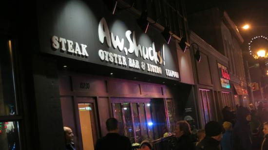 Aw Shucks Seafood Bar & Bistro: Aw Shucks Outside