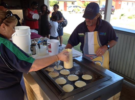 BIG4 Dongara Denison Beach Holiday Park: Pancakes for breakfast Sunday morning, it don't get any better.