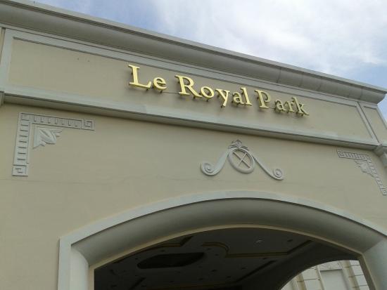 Le Royal Park : Front