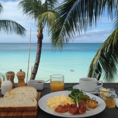 WaterColors Boracay Dive Resort: Breakfast at rooftop terrace