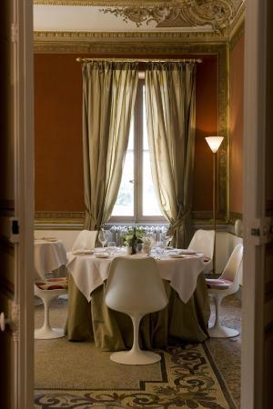 Le Chateau des Alpilles Restaurant : La salle du restaurant