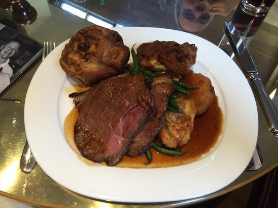 The Nags Head at Haughton: Sunday roast beef