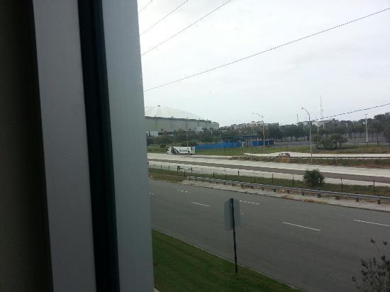 Staybridge Suites St. Petersburg Downtown: Tropicana field