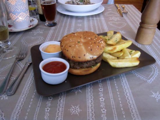 The Pantry & Corkscrew : My burger