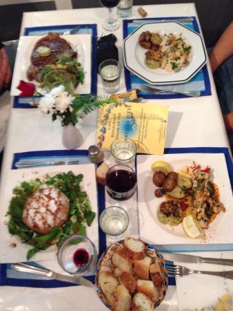 Quartier d'ete : Cote de boeuf, brochettes de lotte a la plancha, Pastilla au Poulet , filet de pageot dieppoise
