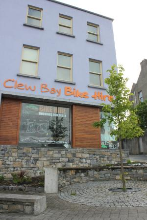 Clew Bay Bike Hire and Outdoor Day Adventures : Outside the Building