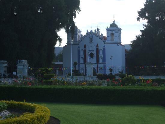 El Tule Tree of Life, Teotitlan Village, and Mitla Ruins Tour: église santa maria de tule