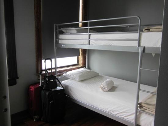 Q4 Hotel : Quarto feminino