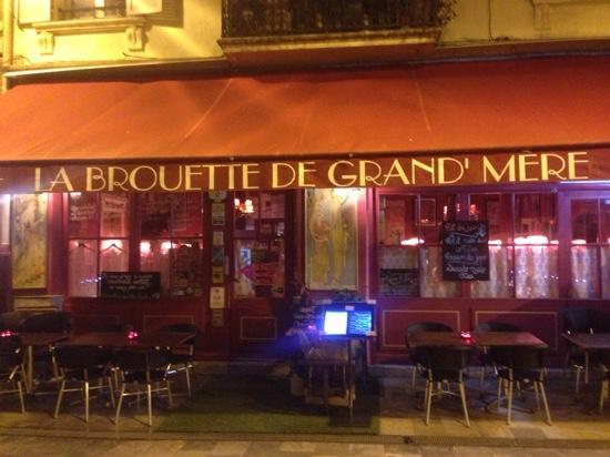 La brouette de Grand-Mere: Le Restaurant