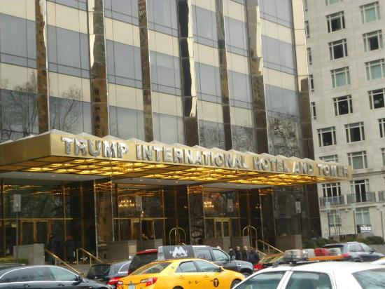 Trump International Hotel and Tower New York: Frente